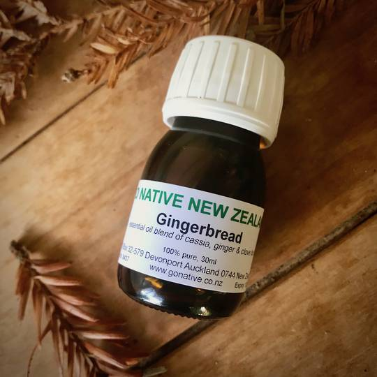 Gingerbread essential oil blend