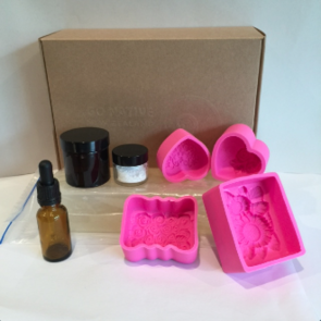 Melt and pour soapmaking kit 2